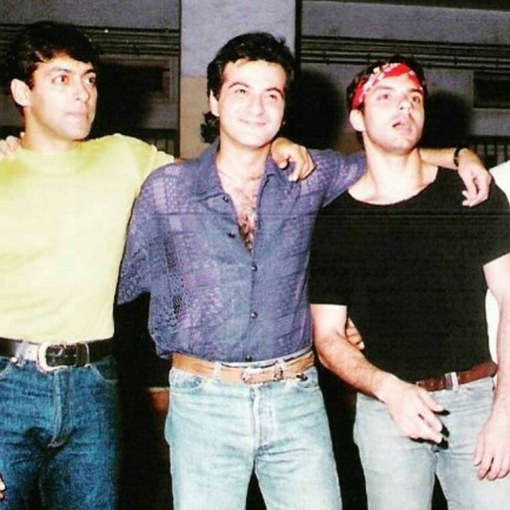 "#MajorThrowback: Salman Khan Sanjay Kapoor and Sohail Khan on the sets of ""Auzaar"" in 1997. .  Follow  @filmywave  . #Auzaar #SalmanKhan #SanjayKapoor #SohailKhan #Throwback #celebrity #bollywood #actor #actress #star #fashion #fashionista #bollywoodfashion #bollywoodstyle #glamorous #hot #sexy #love #beauty #instalike #instacomment #instafollow #filmywave"