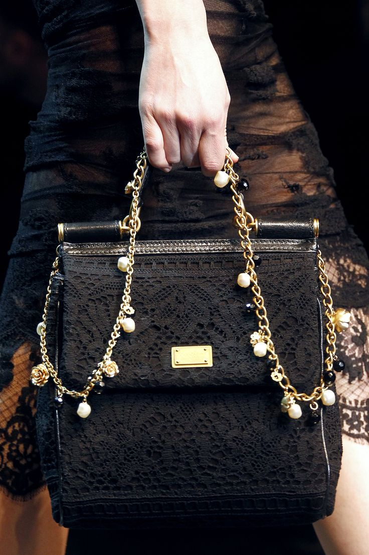 17 best images about dolce gabbana on pinterest pump bags and spring for Schemi borse uncinetto