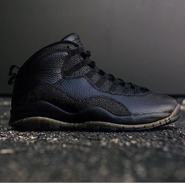JUST IN! OVO 10's! Size 8 9 9.5 10 10.5 11 11.5 & 12.5 are all now available on the site! Prices start at $599.99! #esmchicago by esmchicago #SoleInsider