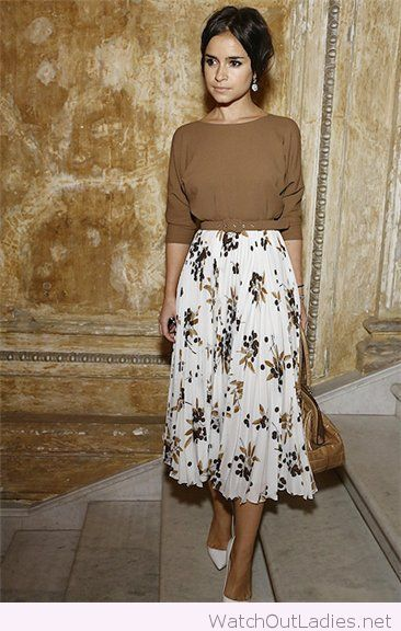 Floral midi skirt, brown sweater and pearl earrings, so classy