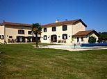 Farmhouse rentals in Mielan, Gers, Midi Pyrenees, France FR9699