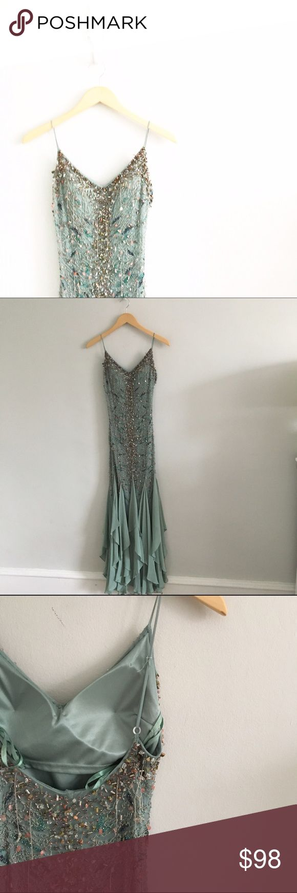 Sue Wong Nocturne Silk Beaded Sequin Mint Dress 100% silk shell. 100% polyester lining. Size 4. Adjustable straps. Absolutely gorgeous condition, no rips or stains. All beading appears to be intact. Please see all pictures for an accurate description of condition. First picture filtered. *1124160499* Sue Wong Dresses Prom