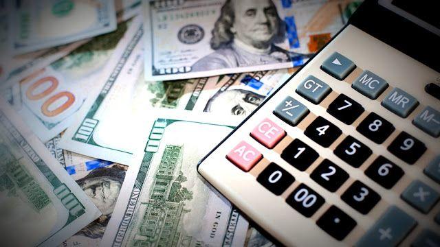 El dólar comenzó la jornada estable y cotiza a $1733 para la venta en el Banco de la Nación Argentina  El dólar estadounidense comenzaba hoy la jornada sin cambios en su cotización respecto del último cierre en $1693 por unidad para la compra y $1733 para la venta en las pizarras del Banco de la Nación Argentina.  Finanzas