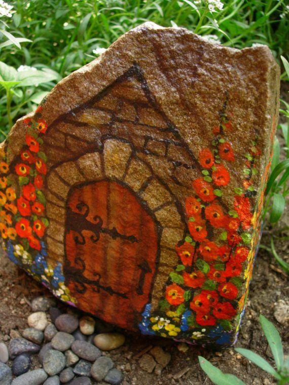 COMMONERS' QUARTERS   hand painted rock art  von MyGardenRocks