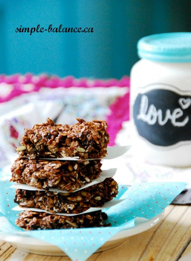 Chewy Cocoa Granola Bars: These are a simple, lower sugar, wholegrain, gluten and nut-free treat. Perfect for the lunchbox or with an afternoon cup of tea. - See more at: http://www.simple-balance.ca/2014/09/chewy-cocoa-granola-bars/#sthash.XmtDB366.dpuf