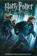Harry, Ron y Hermione se preparan para la misión de localizar y destruir el secreto de la inmortalidad. El mundo de la magia se lía convirtiendose en un lugar peligroso para los enemigos del  Señor  Oscuro. La guerra ha comenzado y los mortifagos de Voldemort han tomado el control del Ministerio de Magia e incluso de Hogwarts. Buscan a Harry Potter. El Elegido se ha convertido en el perseguido y los mortifagos buscan a Harry con órdenes precisas de llevarlo ante Voldemort...vivo.