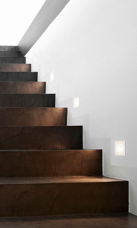 Illumina/Astro Tango: Mit dem Einbauspot setzen sie gekonnte und beeindruckende Lichtakzente. Tango ist für den Einbau in der Wand konzipiert und eignet sich deshalb perfekt als dezente sowie effektvolle Beleuchtung im Treppenhaus, Flur oder auch im Bad – denn der Spot ist absolut wasserdicht und somit sogar zur Montage in der Dusche geeignet. So schaffen Sie auf simple Weise ein tolles Ambiente! #wandeinbauleuchte #wand #spot #einbau #treppe #treppenhaus #flur #bad #badzimmer #reuterde…