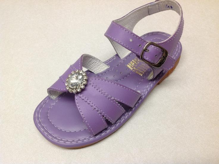 Kinder sandal www.calzadokinder.com