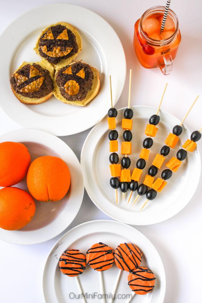 5 Black & Orange Food Ideas for your Halloween Party #SpookyCreations ad