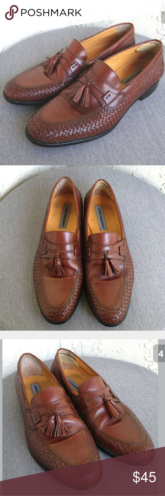 Johnston Murphy Mens Slip On Dress Shoes Sz 10.5 Johnston Murphy Mens Shoes Brown Woven Leather Dress Casual Slip On Loafer Size 10.5 - Great Preowned Condition...Enjoy!  Type: Shoes Style: Dress Casual Woven Leather Slip On Tassel Loafer  Brand: Johnston & Murphy Size: 10.5 Material: Leather Color: Brown Condition: Great Preowned Condition  Country of Manufacturer: India Stock Number: 0011 Vintage Shoes Loafers & Slip-Ons