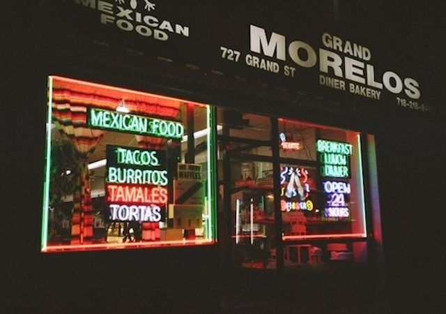 NY best 24-hr restaurants
