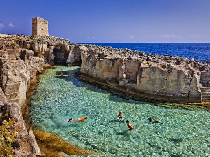 17 best images about piscinas naturales on pinterest italy natural swimming pools and pamukkale - Piscina naturale puglia ...