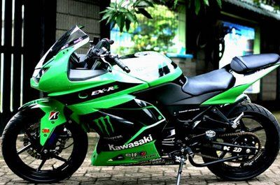 #kawasaki ninja 250 r 2006 #motorcycles....this is seriously my favorite bike...
