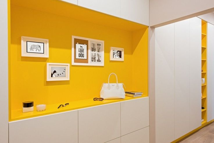 ♥♥♥ Прихожая для длинного узкого коридора должна быть не только модной и красивой, но еще и функциональной. Ведь в не самое удобное пространство предстоит вместить достаточно большое количество предметов мебели. А сделать это в квартире так, чтобы дизайн интерьера был выполнен «со вкусом» и практично одновременно – задача непроста%D