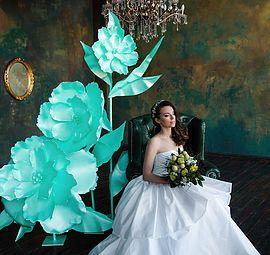 Купить большие цветы. Цветы из изолона, огромные цветы. Свадебный декор. Фотозона, большие цветы, золотые цветы, черные цветы, гигантские цветы, аренда цветов
