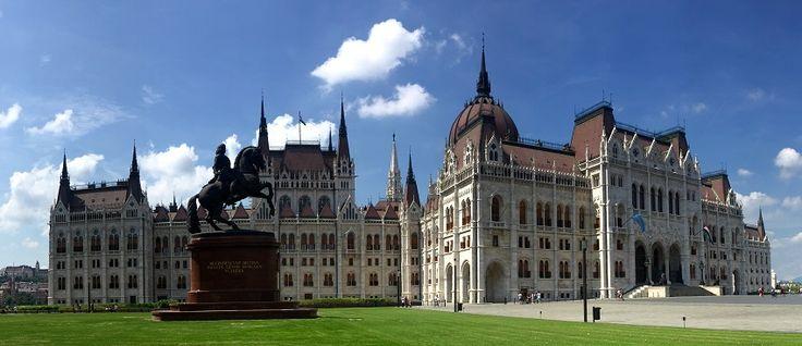 Vor einem Monat war ich mit einer Freundin in Budapest. Ursprünglich hatten wir eine Reise in die Türkei gebucht, sollten jedoch am Wochene...