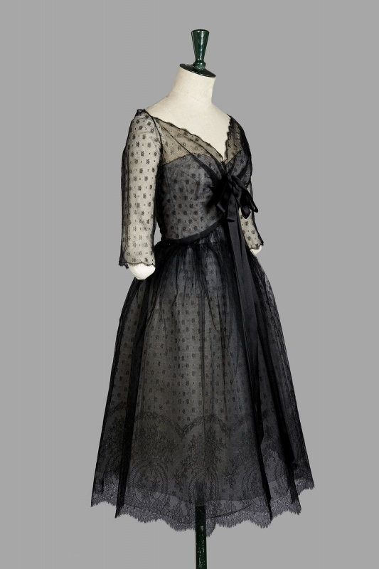 Christian dior haute couture by yves saint laurent a h for 1960 s haute couture
