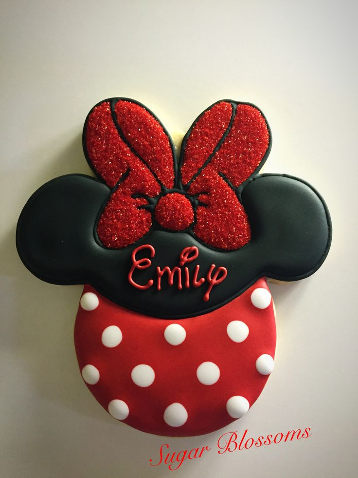 Minnie Mouse decorated cookies