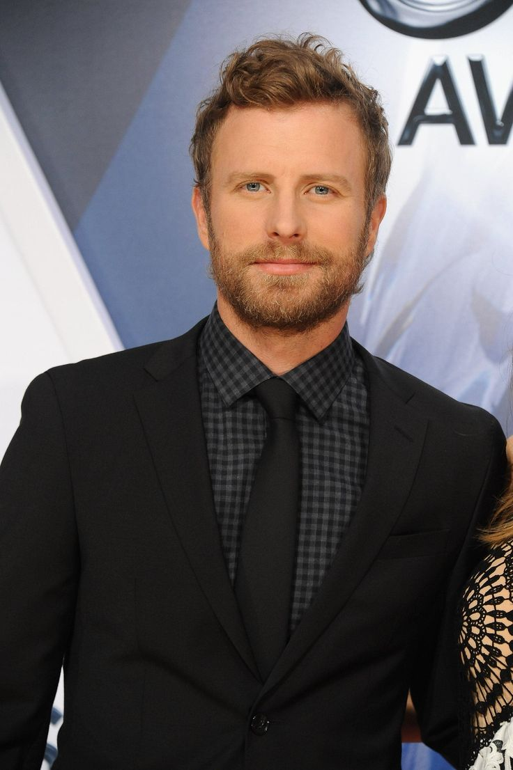 21 Sexy Dierks Bentley Snaps That Will Make You Do a Double Take 02/25/2017