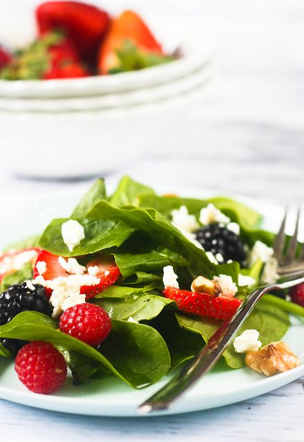 Spinach and Berry Salad with Honey Vinaigrette