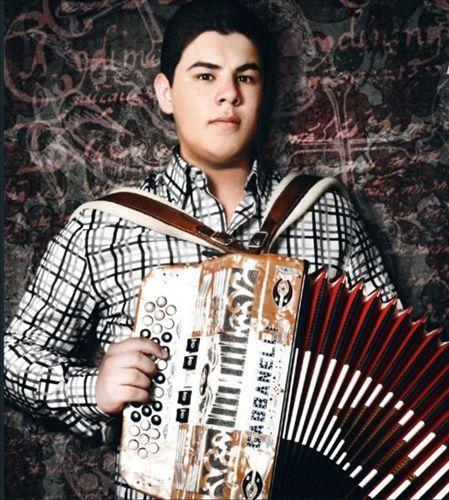 I'm listening to Alfredo Olivas, ♫ on iHeartRadio