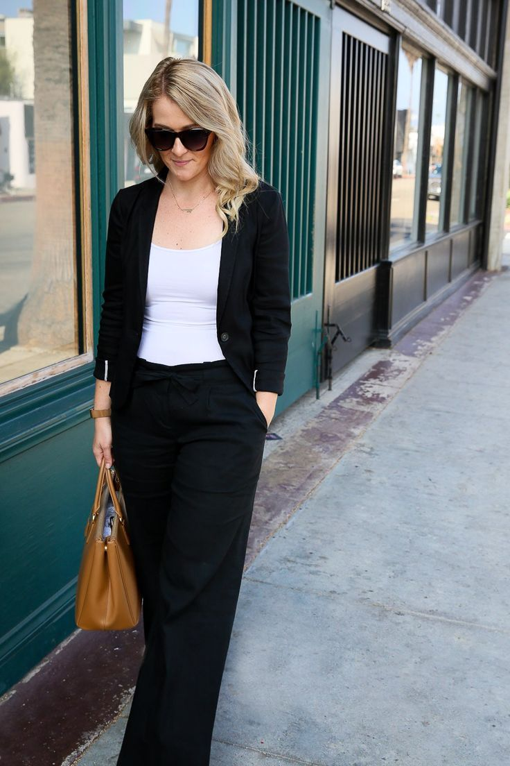 Black Wide Leg Pants Outfit For Work Play Wide Leg Pants Outfit Wide Leg Pants Outfit Work Leg Pants Outfit [ 1104 x 736 Pixel ]