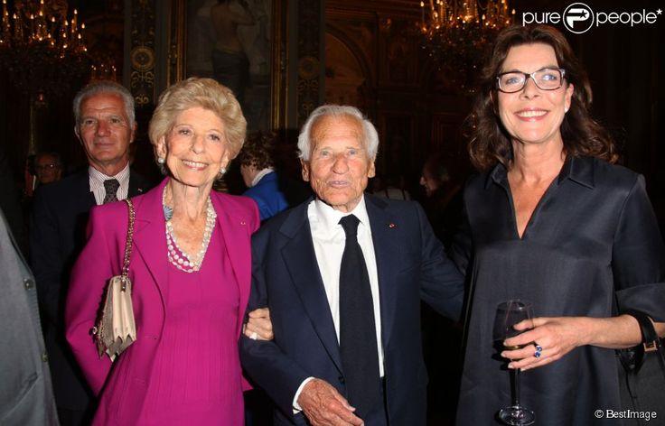 Hélène Carrère d'Encausse, Jean d'Ormesson, la princesse Caroline de Hanovre lors de la cérémonie...