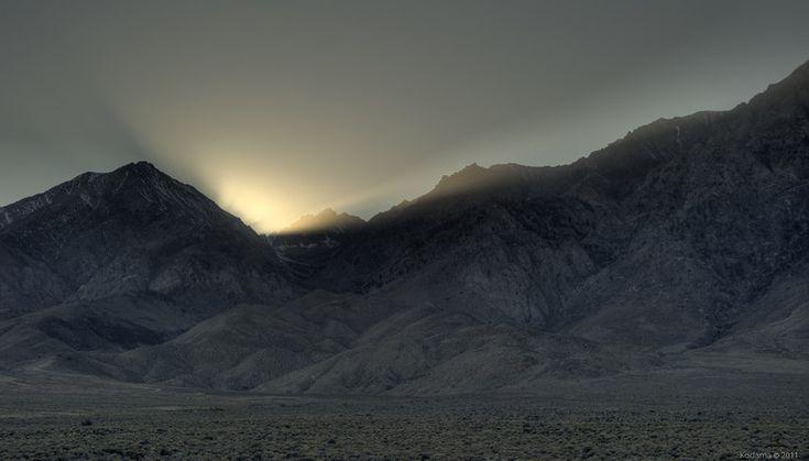 Sunset behind the Eastern Sierra Nevada mountains (CA)