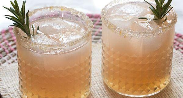 Zapomeňte na vodu s citronem. Toto je nový hit pro hubnutí a detoxikaci
