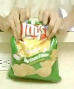 smart idea!  I hate when the chips stale