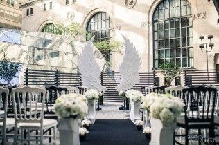 Angel Wings for the Wedluxe magazine by Flowers Time #wedding#event#design#decor