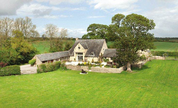 converted horse barn | Leaze, Gloucestershire Perfect for horse lovers, this converted barn ...