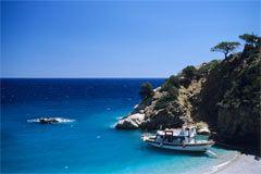 La spiaggia di Pigadia si trova immediatamente fuori il paese di Pigadia.