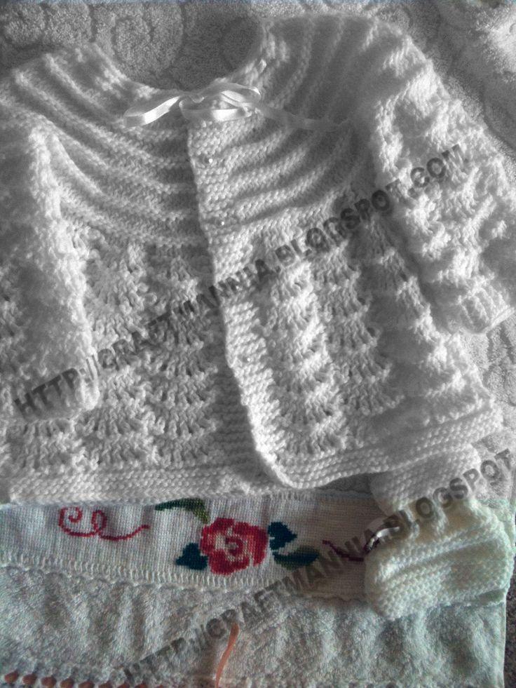 """O casaquinho abaixo eu fiz com a receita que achei na comunidade """"eu amo tricot"""" no orkut postado pela Sueli.      Tamanho 0 3 meses     P..."""