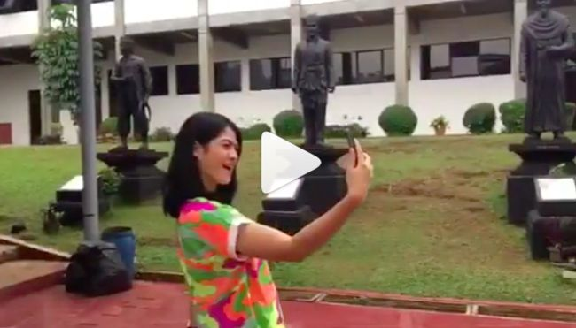 Buat aku, selfie adalah kegiatan sederhana yang berkesan dan akan menjadi kenangan indah kelak kita dewasa nanti.  Dan bahagia itu pada saat aku selfie dengan Smartphone Coolpad Fancy 3 ini, lalu diupload ke Instagram dan berbagi kebahagiaan dengan yg lain :) #FlashWithMiracle #CoolpadFancy3 @coolpadindonesia