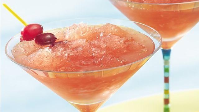 Cosmo slushTasty Recipe, Powder Sugar, Cranberries Juice, Summer Day, Five Ingredients, Slush Recipe, Summer Beach, Cosmo Slush, Orange Juice