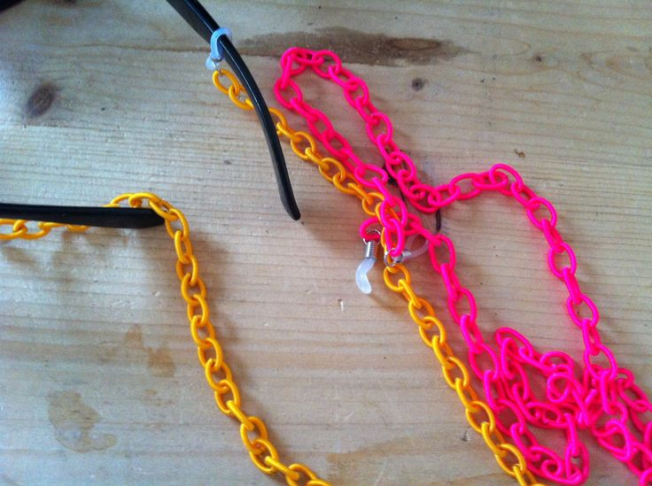 Fabric fluo colors eyeglasses chain. Ultimate summer accessories.