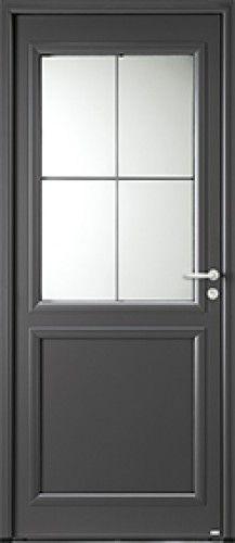 Modèle Langeais Porte d'entrée aluminium classique mi vitrée Une porte d'entrée l'esprit bucolique avec un design moderne.