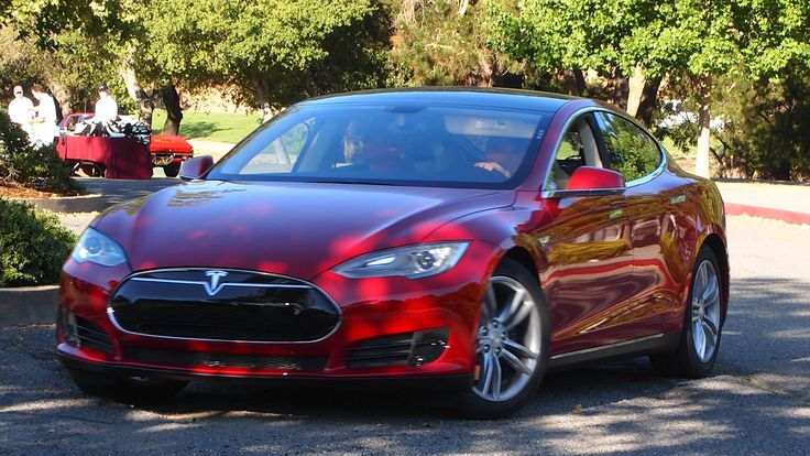 Tesla Says Model S Now A Self-Driving Car, But Cannot Go Driverless - http://www.morningnewsusa.com/tesla-says-model-s-now-a-self-driving-car-but-cannot-go-driverless-2339767.html
