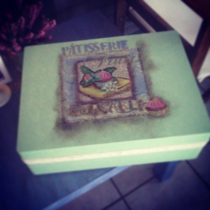 Wood box patisserie!!
