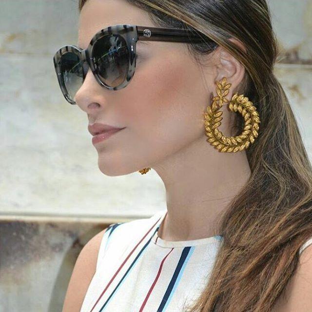 How do you wear your #tresalmas Vine Coil Earrings ✨✨✨ this beautiful girl from @crmystyle rocks them #tresalmas #howdoyouwearyourtresalmas?