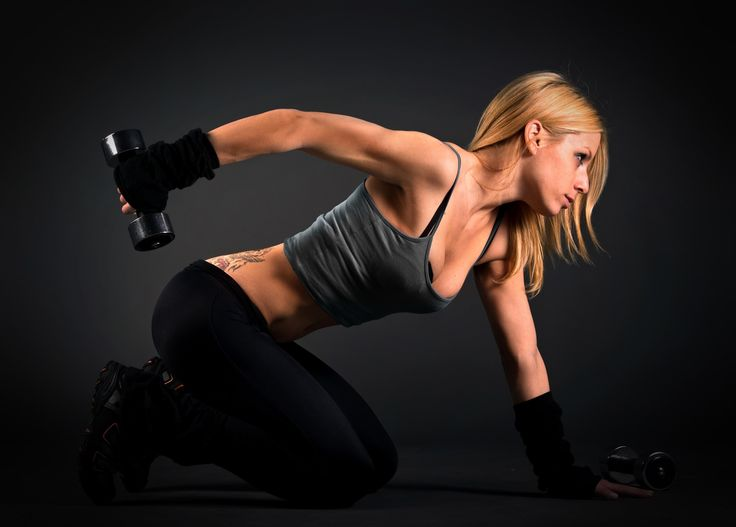 Упражнения с гантелями для похудения живота…