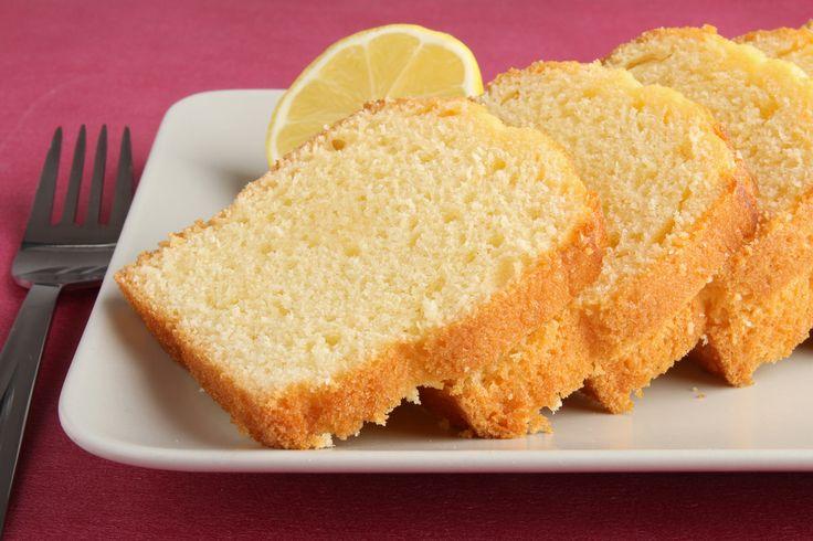 El bizcocho al limón es una de las recetas de repostería más comunes y aceptadas ya que no es un dulce muy empalagoso y tiene ese toque refrescante y aromá