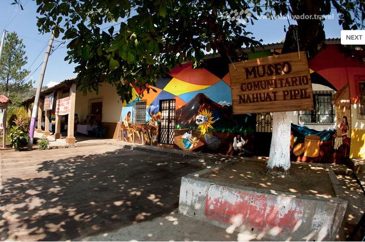 Nahuizalco est localizado en sonsonate se conoce como el for Lugares donde venden muebles