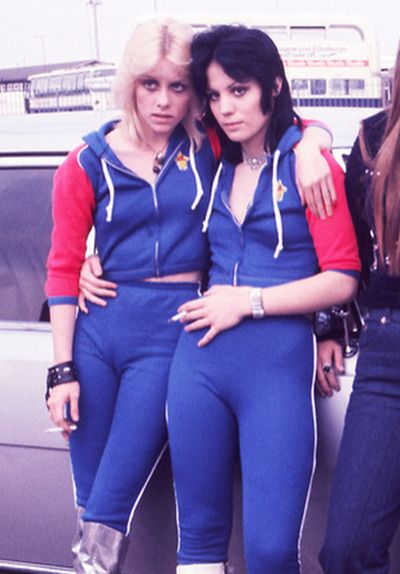 Joan Jett & Cherie Currie in 80's sweat pants and sweat shirts #bodybuilding #fitness