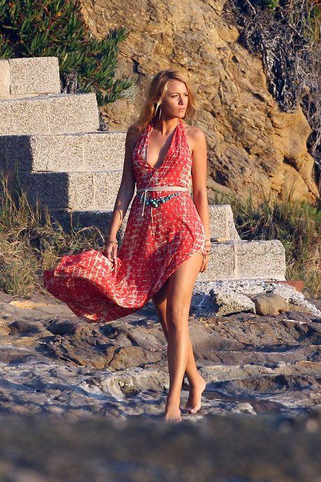 Blake Lively beach photoshoot dress