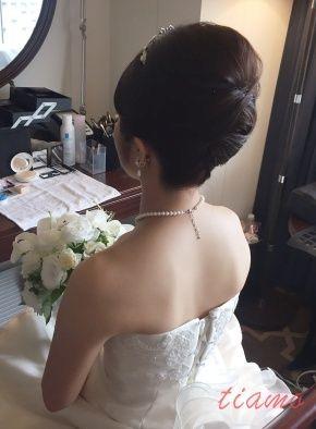クラシカルな挙式スタイルから始まるホテル婚♡   大人可愛いブライダルヘアメイク 『tiamo』 の結婚カタログ