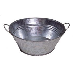 Round galvanised bowl with handles - rustic chic!