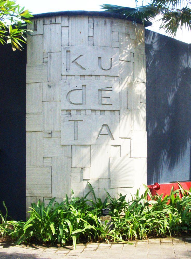 Kudeta (2003) - Oberoi, BALI