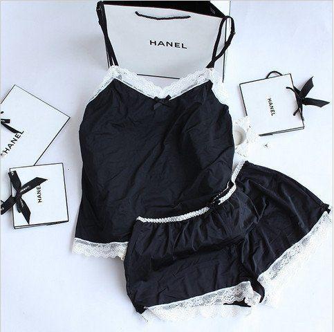 Gender: WomenItem Type: PajamasPattern Type: SolidBrand Name: FoplyMaterial: Polyester,Spandex,AcetateLength: ShortsSeason: SummerCollar: V-NeckSleeve Length: S